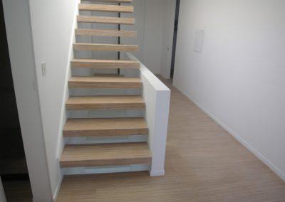 Zwevende trap eik fineline